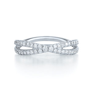 Diamond ring from the Fidelity Collection in platinum