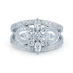 Framed diamond ring from the Kwiat Star Collection in 18K white gold
