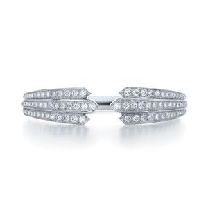 Diamond bracelet in 18k white gold.