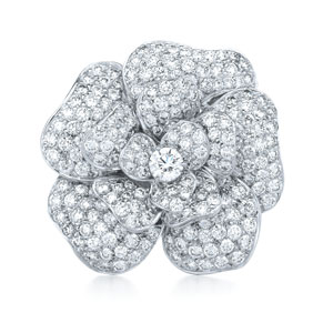 Diamond rose brooch from the Kwiat Collection in 18K white gold
